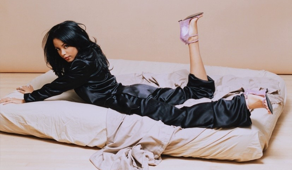 25ef1f0e How the Trend-Setting R&B Queen Aaliyah Influenced the Fashion of Today